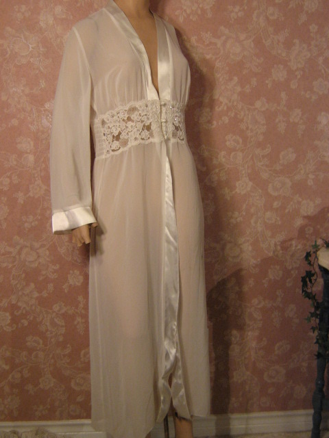 Slippery Satin Luxurious Lounge Robes ~ Vintage Intimates | Livin ...
